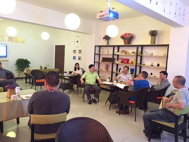 2015年10月,湖南省委创新ballbet贝博网址讲师团来我园区调研工作